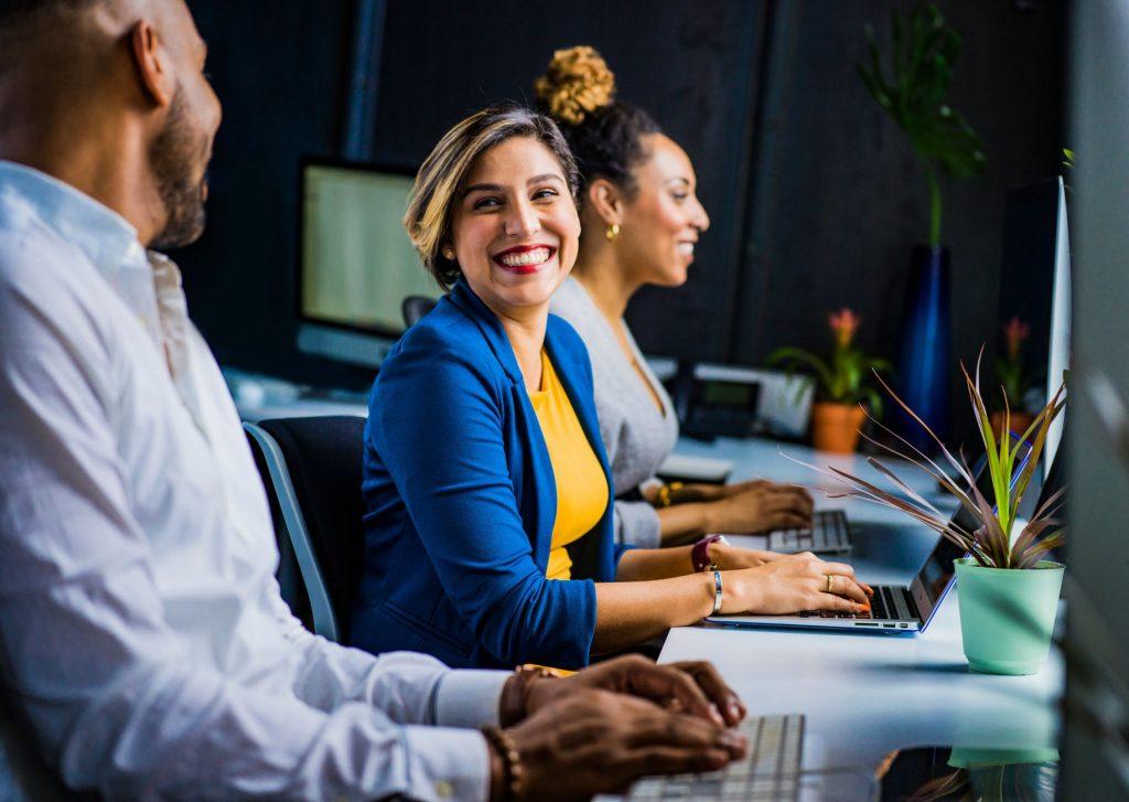 Et godt indeklima på arbejdspladsen skaber smil